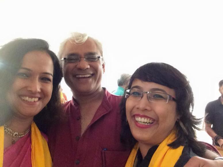 Ranan SMART representatives Indudipa and Dana with their mentor Sudhanva Deshpande, Mumbai 2015